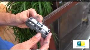Baie Galandage Prix Roulettes Porte Coulissante Sliding Door Roller Repair Video