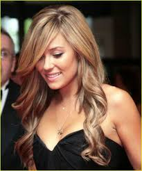 a side part with long hair and a swoop and a cross 35 lauren conrad hairstyles which look super sexy slodive