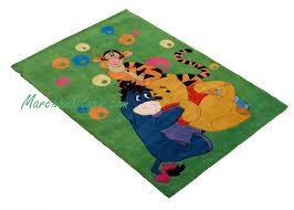 tapis de chambre winnie l ourson tapis enfant winnie et ses amis 115x168cm tapis enfant disney de