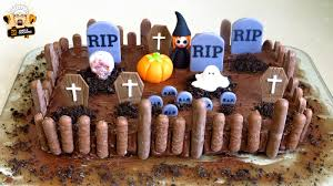simple halloween cakes halloween graveyard cake youtube