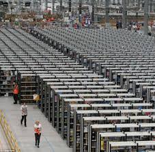 how amazon black friday works unbelievable black friday work landscape of amazon huge warehouse