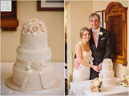 wedding cake leeds wedding photography at headingley golf club in leeds west