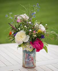 Arranging Roses In Vase Arranging Fresh From The Garden English Roses