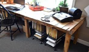 Diy Desks Save Money And Customizing 21 Diy Desks From Pallets