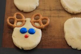 how to make reindeer snickerdoodles easy christmas cookies kids