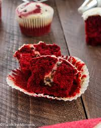 red velvet cheesecake cupcakes flavor the moments