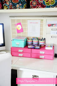 Organizing Office Desk by Best 20 Pink Desk Ideas On Pinterest Pink Home Offices Pink