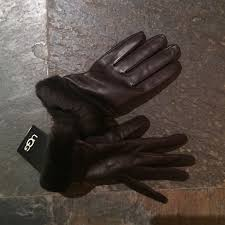 ugg gloves sale us m 56b2cf204127d0af7c009b45 jpg