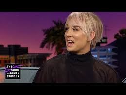 sweeting kaley cuoco new haircut kaley cuoco sweeting flipped out over big bang cliffhanger youtube