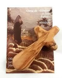 Sculpture En Bois D Olivier Pocket Size Olive Wood Comfort Cross
