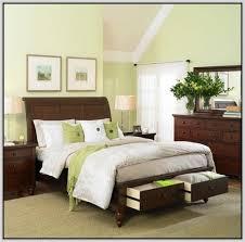 Traditional Bedroom Design Traditional Bedroom Design With Cherry Wood Bedroom Furniture Set