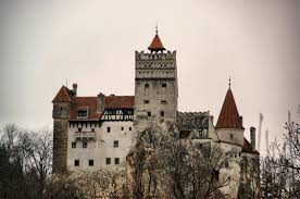 Dracula S Castle 10 Amazing Castles You Can Visit Irl