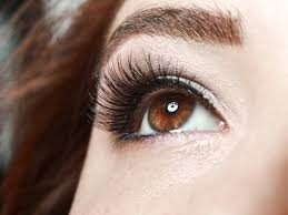 How Long Can You Wear False Eyelashes The History Of Fake Eyelashes Will Make You Never Want To Wear