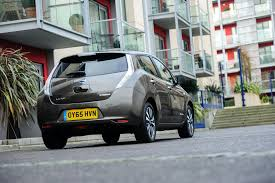 nissan leaf deals lease save over 10 814 13 500 usd on a nissan leaf in the uk
