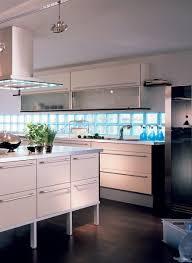 brique de verre cuisine réalisations en briques de verre pour la maison verrelab