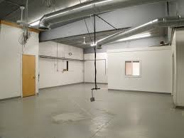 2 000 sq ft warehouse space in south lansing for lease