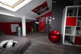 chambre gris et rouge chambre rouge sur idees de decoration interieure et exterieure