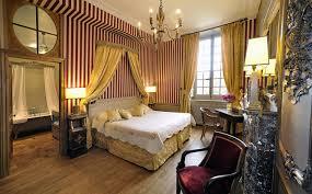 chambre chateau château de bourron du 17ème siècle doté de 8 chambres à 45 min