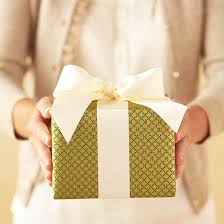 How To Wrap Gifts - how to wrap christmas presents from better homes u0026 gardens