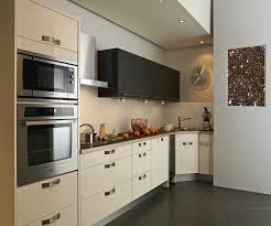 darty meuble cuisine une cuisine darty avec évier d angle en inox lisse brillant photo