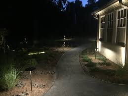 Landscape Path Lights by 2 Really Cool Landscape Lighting Ideas For Your Front Yard U2013 R U0026a
