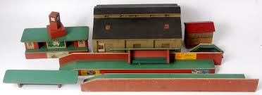 wooden buildings hornby dublo signal box with red roof truescale