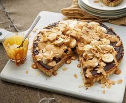 gooey choc and caramel banana pie everyday delicious kitchen
