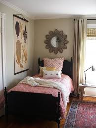 Decorating Small Bedrooms Best 25 Small Bedroom Layouts Ideas On Pinterest Bedroom