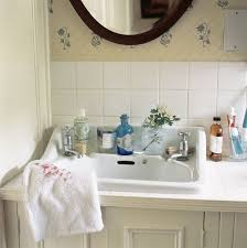 country cottage bathroom ideas 365 best country cottage bathroom images on cottage