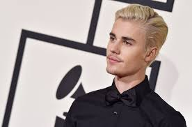 Justin Bieber Justin Bieber Pleads With Fans To Let Him Eat Lunch In Peace Stop