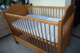 chambre bébé pin massif achetez lit bébé en pin occasion annonce vente à maromme 76