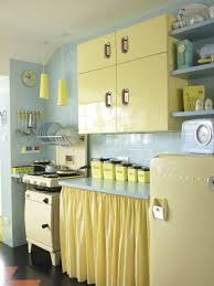 Vintage Kitchen Ideas Best 25 Retro Kitchens Ideas On Pinterest Vintage Kitchen