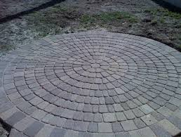 Round Patio Pavers by Pavers For A Round Patio Home Design Ideas