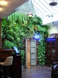 jardin interieur design mur végétalisé intérieur comment le créer marie claire