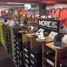 designer shoe outlet dsw designer shoe warehouse 24 photos 49 reviews shoe stores