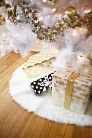 faux fur tree skirt fur christmas tree skirt img 4089 do it yourself divas diy faux
