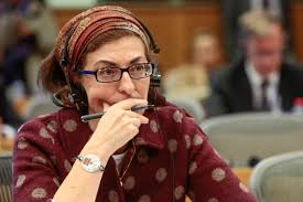 catalonia independence leader banned from public office u2013 euractiv com