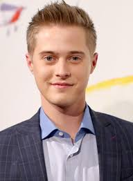 lucas grabeel u0027s haircut u0027switched at birth u0027 star shaves his head