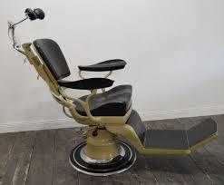 siege dentiste chaise de dentiste vintage de sterling en vente sur pamono