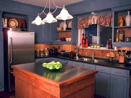 Kitchen Colors For Oak Cabinets by Kitchen Trends Hottest Color Combos Diy