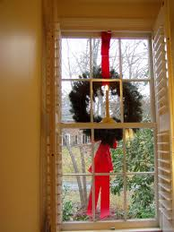 Wreaths For Windows How To Hang Wreaths On Outside Exterior Windows Outdoor Window