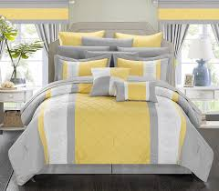 Dimensions Of A Queen Size Comforter Amazon Com Chic Home 24 Piece Danielle Complete Pintuck