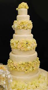 pictures of wedding cakes with yellow roses wedding cake yellow