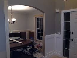 wainscoting and trim color help