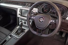 volkswagen passat 2017 volkswagen passat 2 0 tdi luxury dsg 2017 quick review cars co za