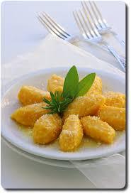 comment cuisiner des gnocchi gnocchi fondants de potiron et parmesan au beurre de sauge savoirs