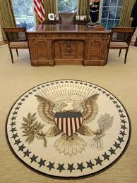 The Oval How Trump Has Changed The Oval Office So Far Wncn