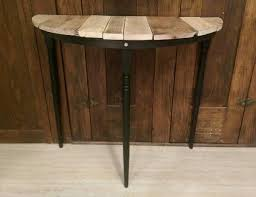 Diy Round End Table by Diy Half Circle Pallet Table Side Table 101 Pallets