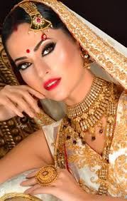 60 Best Indian Bridal Makeup Tips For Your Wedding Indian Bride Indian Wedding Bridal Jewelry U0026 Makeup Indian