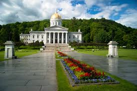 Vermont natural attractions images Vermont state house wikipedia jpg
